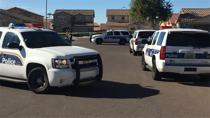 Phoenix police still searching for 2 suspects after shooting
