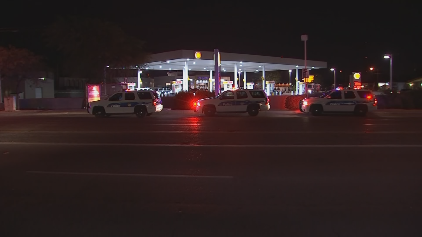 The two officers involved are 35-year-old Ofc. Lawrence Rosky and 34-year-old Ofc. John Stewart. (Source: 3TV/CBS 5)