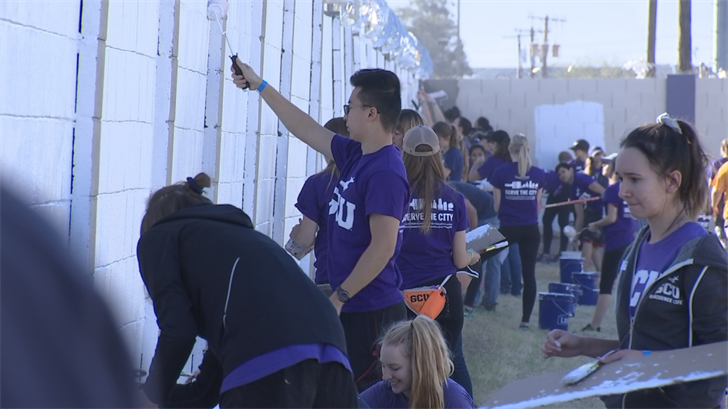Over 300 Grand Canyon University and Habitat For Humanity volunteers gathered at Garcia Elementary School in Phoenix Saturday morning to help beautify the school grounds. (Source: 3TV/CBS 5)