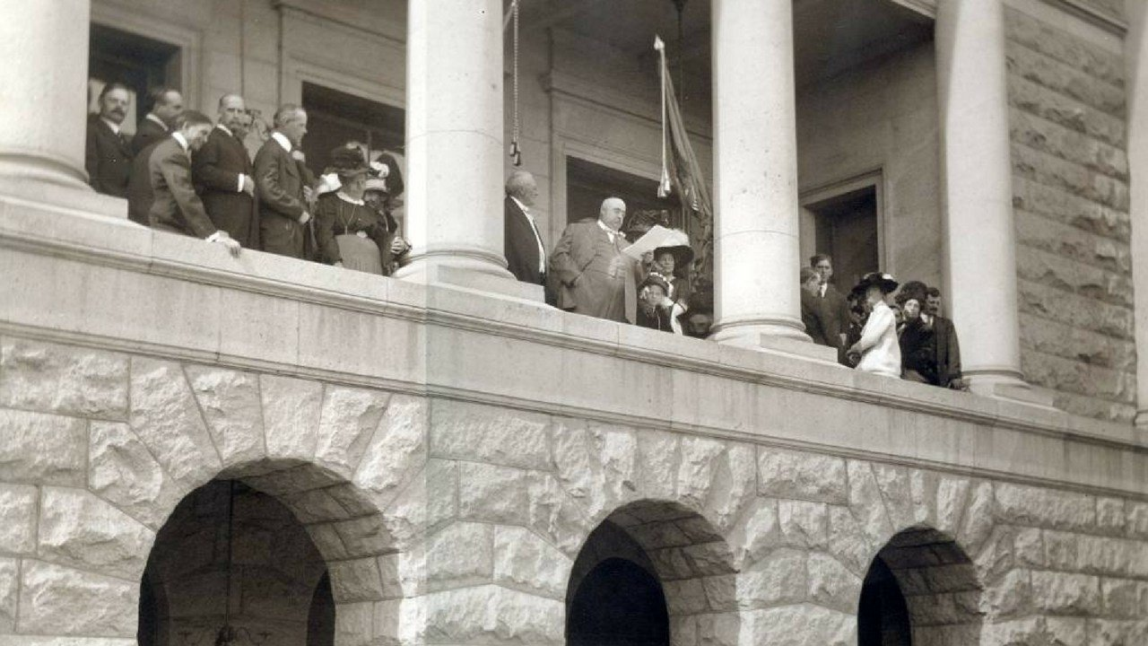 Newly appointed Governor Hunt at the state capitol. 14 Feb. 1912 (Source: Arizona Historical Society)