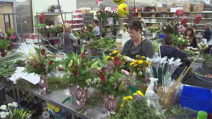 Arizona Flower Market will make 6,000 deliveries during the next few days. (Source: 3TV/CBS 5)