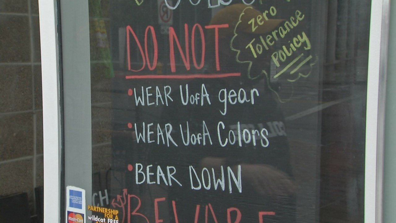Sign outside of College Grill & Bar (Source: 3TV/ CBS 5)