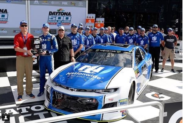 Arizona native Alex Bowman won the pole position at Daytona with a speed of 195.44 mph