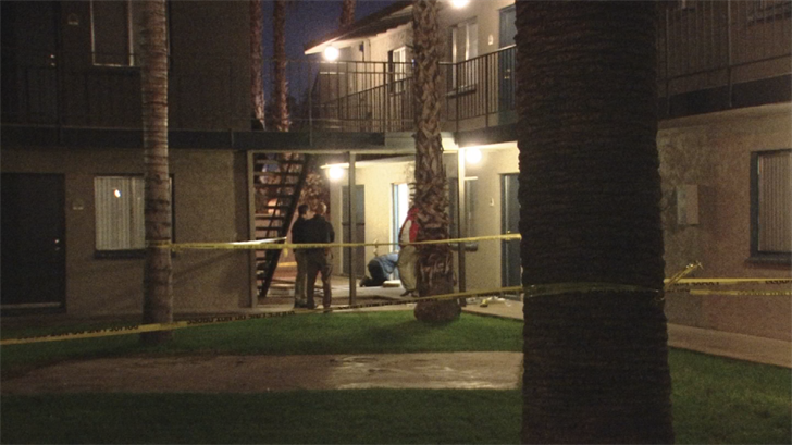 A man was shot and killed at a Phoenix apartment complex Thursday night. (Source: 3TV/CBS 5)
