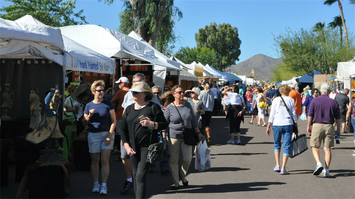 Paintings, sculptures and jewelry will all be on display at the fair (Source: Fountain Hills Chamber of Commerce)