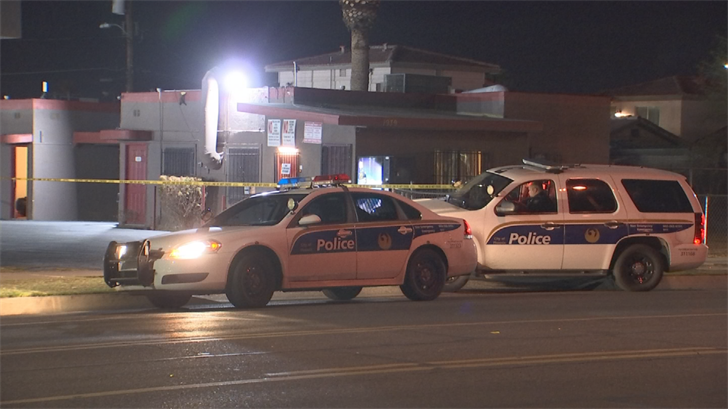 Two suspects are outstanding after a shooting at a Phoenix motel. (Source: 3TV/CBS 5)