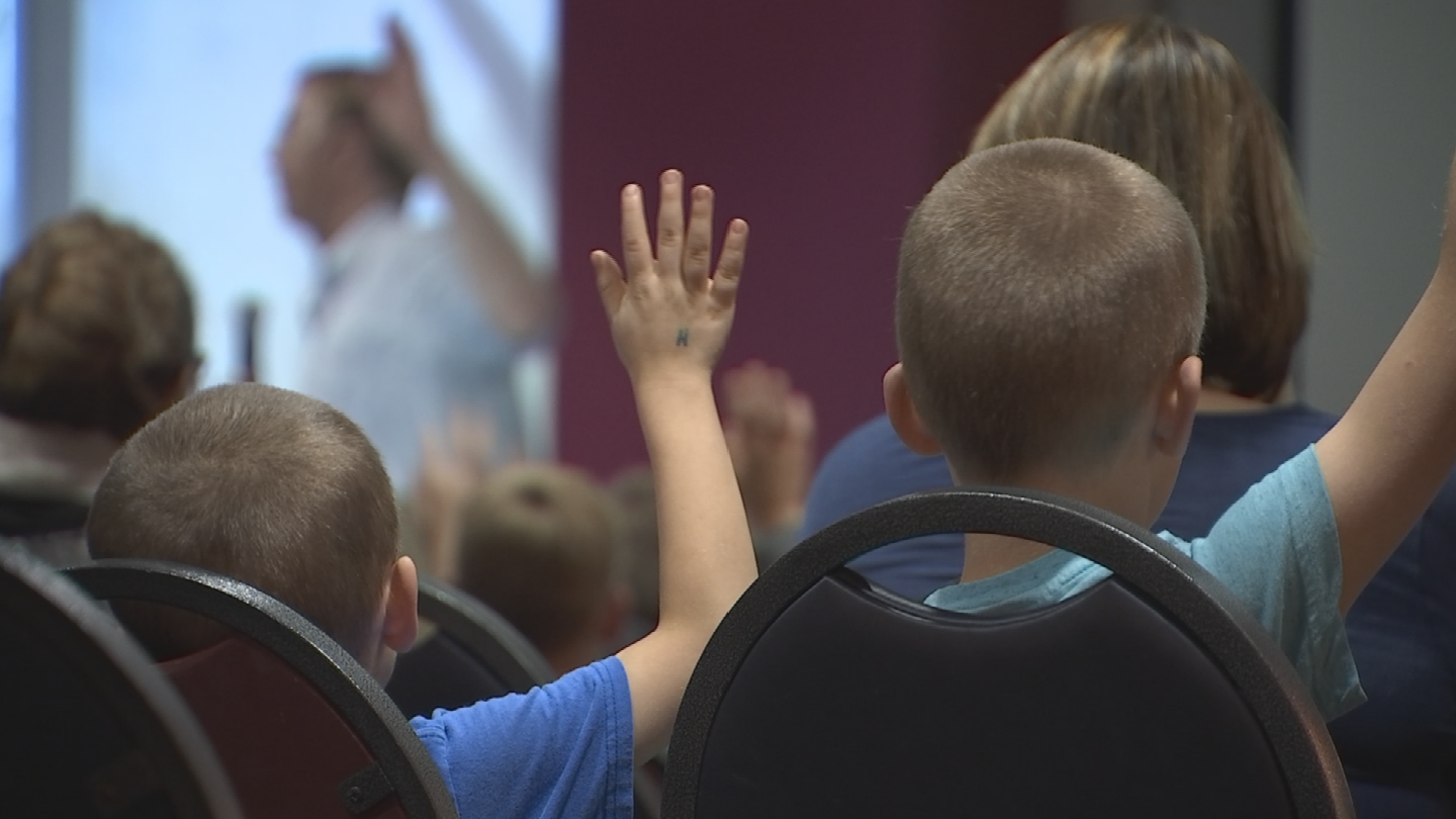 Dr. Michael Goodman talked to children about accepting their differences. (Source: 3TV/CBS 5)