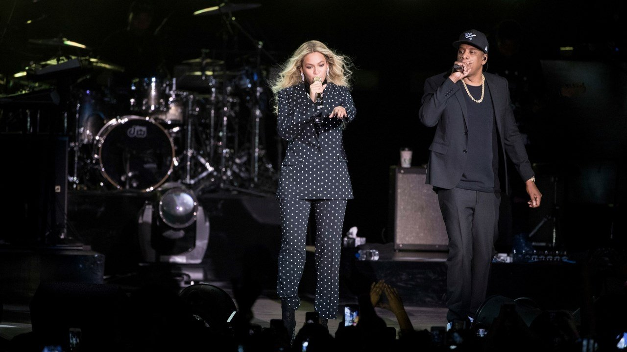 Jay Z and Beyonce perform during a Democratic presidential candidate Hillary Clinton campaign rally in Cleveland, Friday, Nov. 4, 2016. (AP Photo/Matt Rourke)