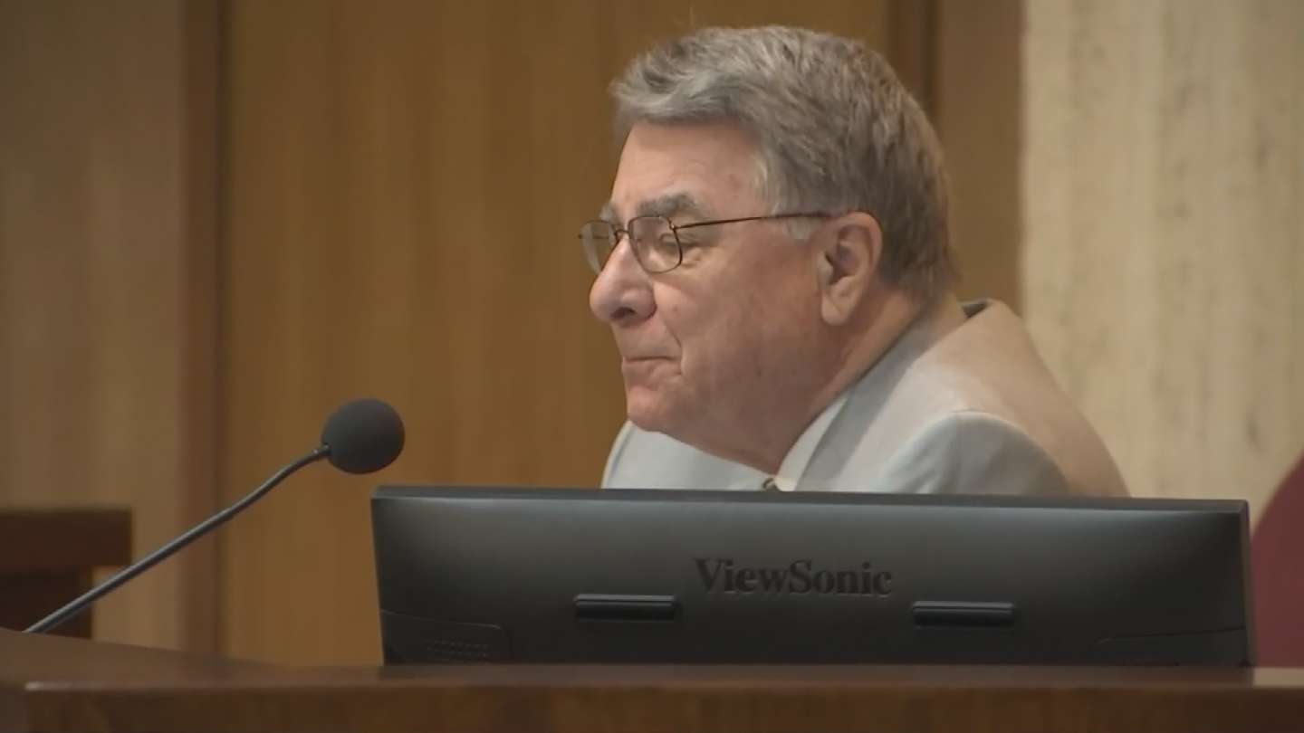 Senate President Steve Yarbrough said Tuesday he is making no promises that teachers will get more than the 1 percent pay raise they are being offered right now. (Source: 3TV/CBS 5)