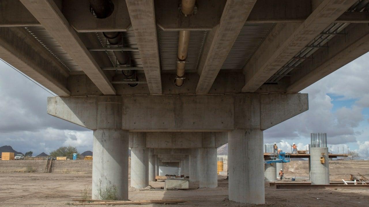 Officials are constructing a new bridge on Ina Road in Marana. (Photo by Melina Zuniga/Cronkite News)