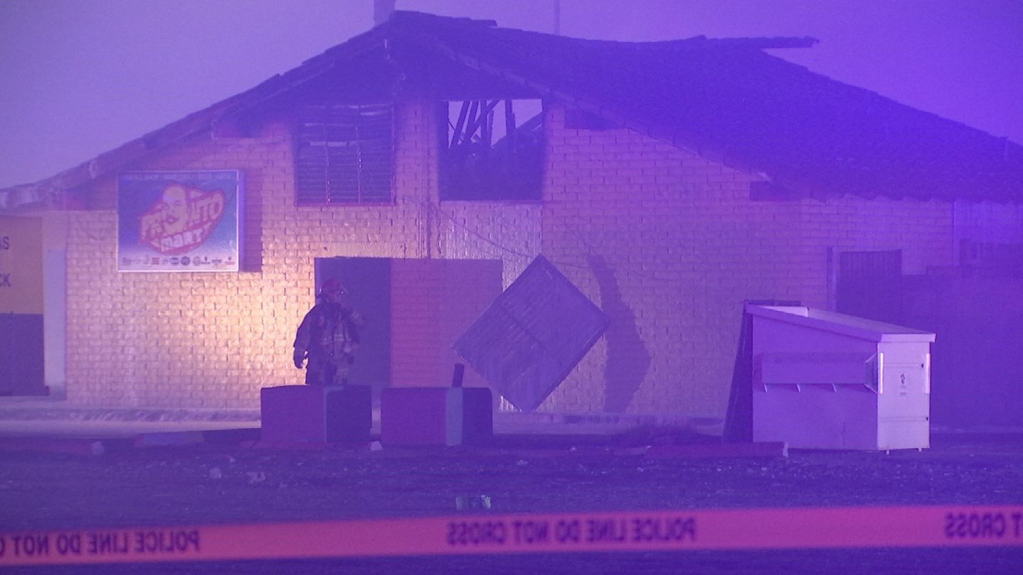 A Glendale conveniencestore was destroyed by a first-alarm fire early Wednesday morning. (Source: 3TV/CBS 5)