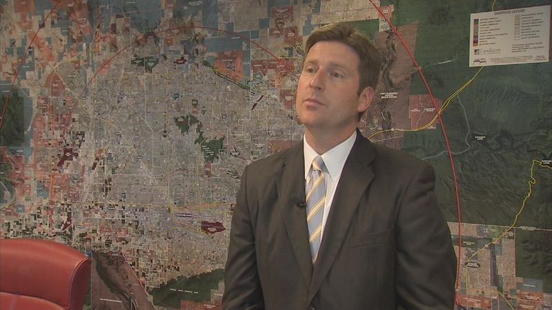 Phoenix Mayor Greg Stanton announced his resignation as he moves closer to his race for Congress. (Source: 3TV/CBS 5)