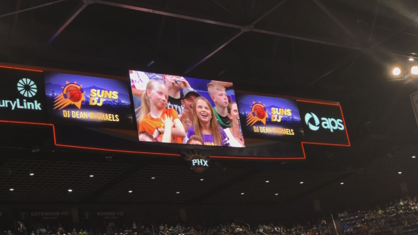 The app saves the video of a fan on the jumbotron. (Source: 3TV/CBS 5)