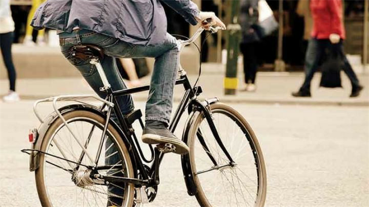 Valley Bike Month encourages commuters to stay active. (Source: Valley Metro)