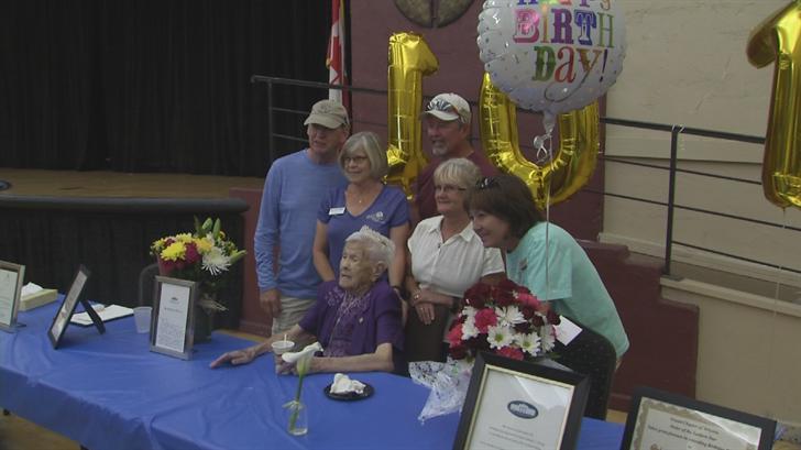 Gramma-Lola celebrates her 107th birthday. (Source: 3TV/CBS 5)