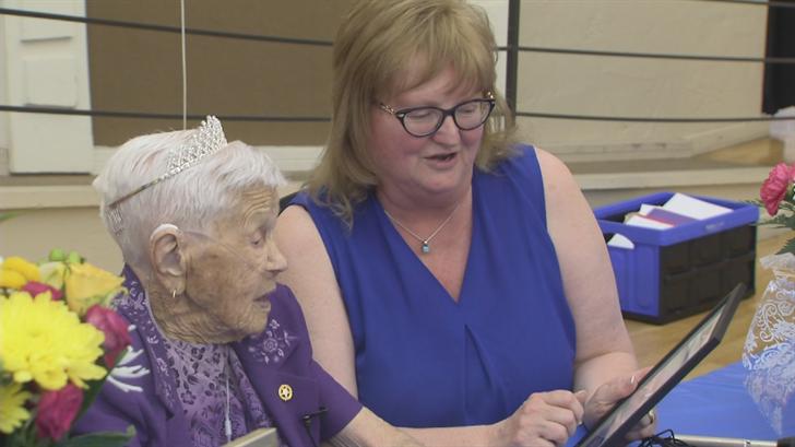 Gramma-Lola and her neighbor, Sharon Fraser. (Source: 3TV/CBS 5)