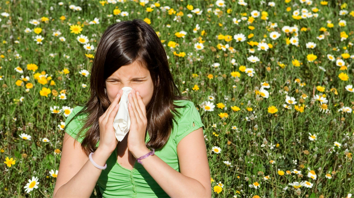 The sneezing and sniffling are signs of allergy season. (Source: mandygodbehear / 123RF Stock Photo)