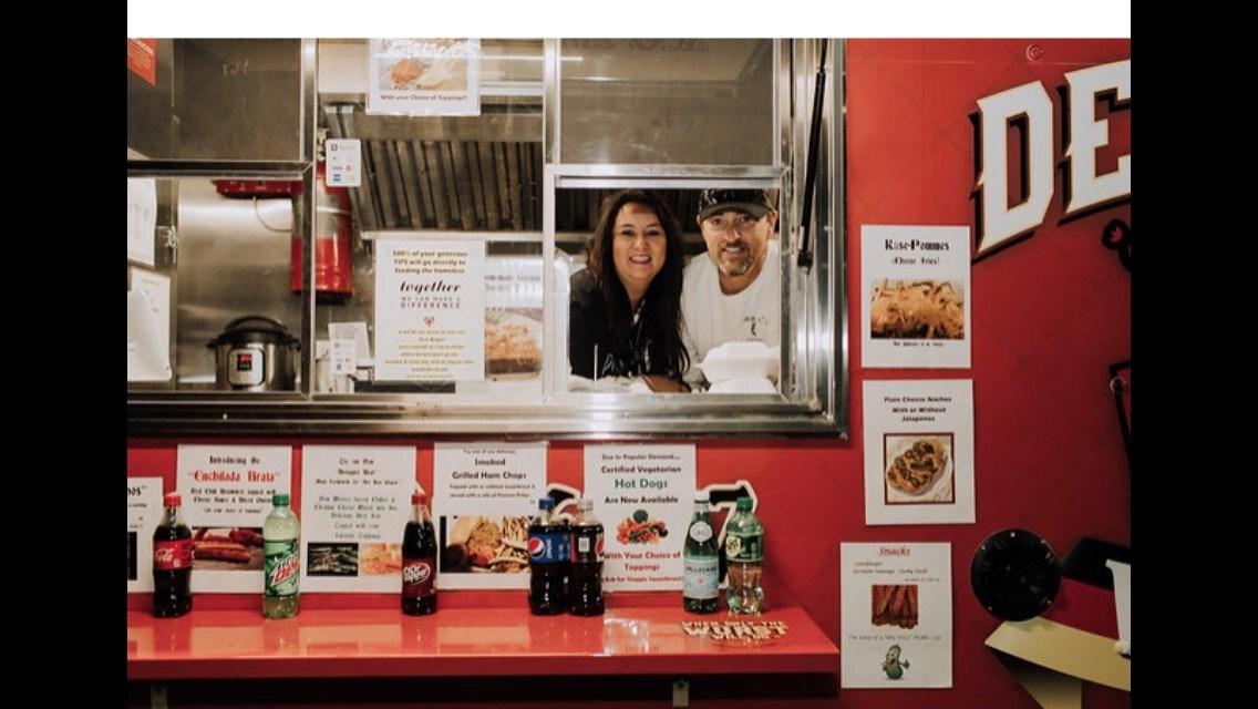 Their food truck, Der Brat Wagen, features authentic German bratwurst, wieners and sauerkraut. (Source: Der Brat Wagen)