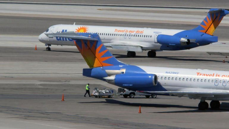 Allegiant Air planes in McCarran International Airport in Las Vegas (Source: CBS)