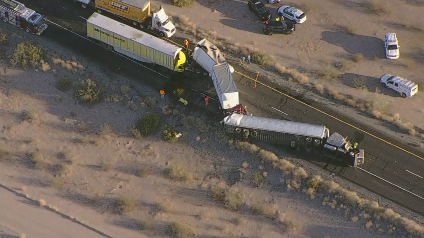Fatal three semi pile-up crash closes portion of I-10 east