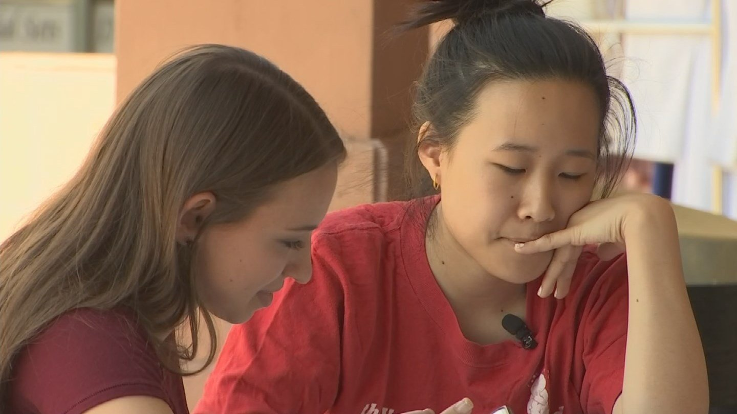 Students find places to study on their own during the teacher strike. (Source: 3TV/CBS 5 News)
