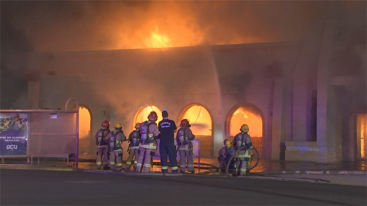 A fire broke out at an abandoned building near 10th Street and Indian School Road. (Source: 3TV/CBS 5)