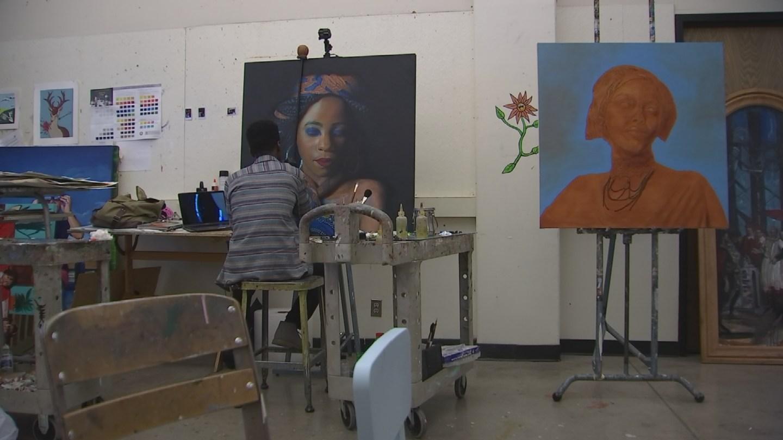 Solomon paints portraits of African refugees he meets in Phoenix. (Source: 3TV/CBS 5 News)