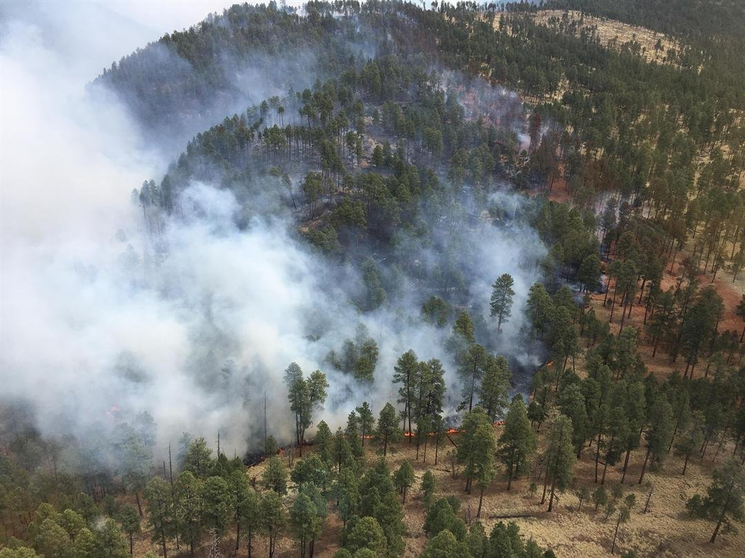 Fire officials said the existing containment lines were maintained despite the strong winds at nearly 15 to 25 miles per hour. Low humidity has also hampered firefighters. (Source: Inciweb)