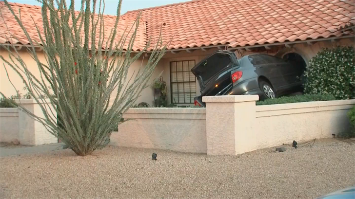 It's unclear how bad the damage was to the house. (Source: 3TV/CBS 5)