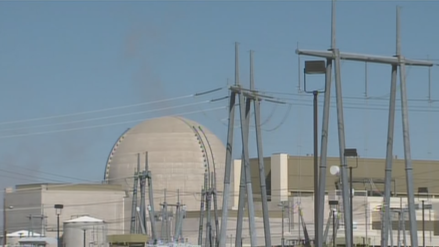 The future of the Palo Verde Generating Station would be in doubt if a clean energy measure passes, the plant's VP said. (Source: 3TV/CBS 5)