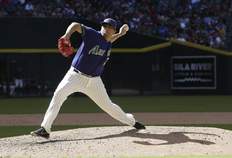 Arizona Diamondbacks relief pitcher Jorge De La Rosa throws in the eighth inning during a baseball game against the Los Angeles Dodgers, Thursday, May 3, 2018, in Phoenix. (Source: AP Photo/Rick Scuteri)