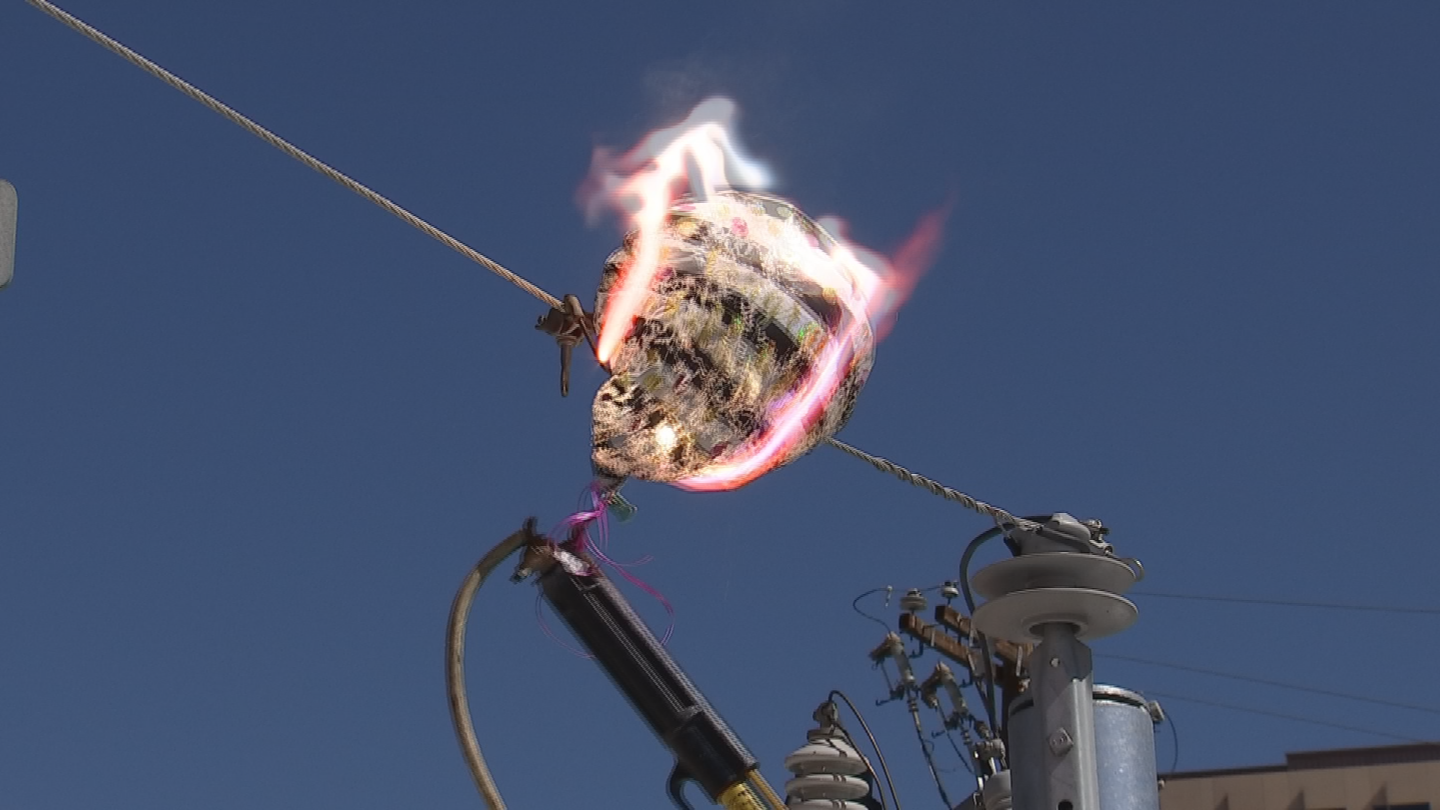 APS demonstrated what happens when a Mylar balloon touches an overhead power line. (Source: 3TV/CBS 5)
