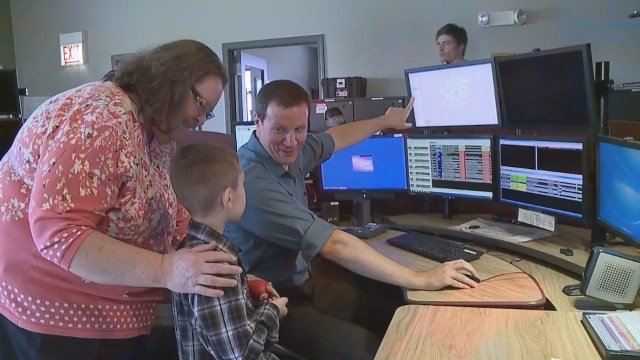 On Tuesday, Joshua was honored at the county commissioners meeting for being so brave. He also got a ride in the sheriff's car and a behind-the-scenes look at the 911 center. (Source: WTTV)