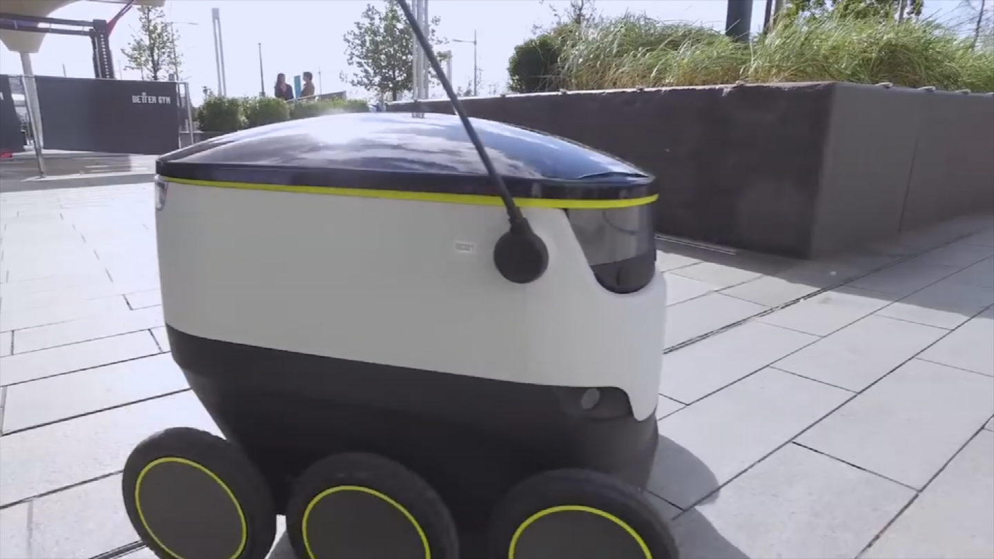 Gov. Ducey signed a bill that would help bring delivery robots to Arizona. (Source: 3TV/CBS 5)