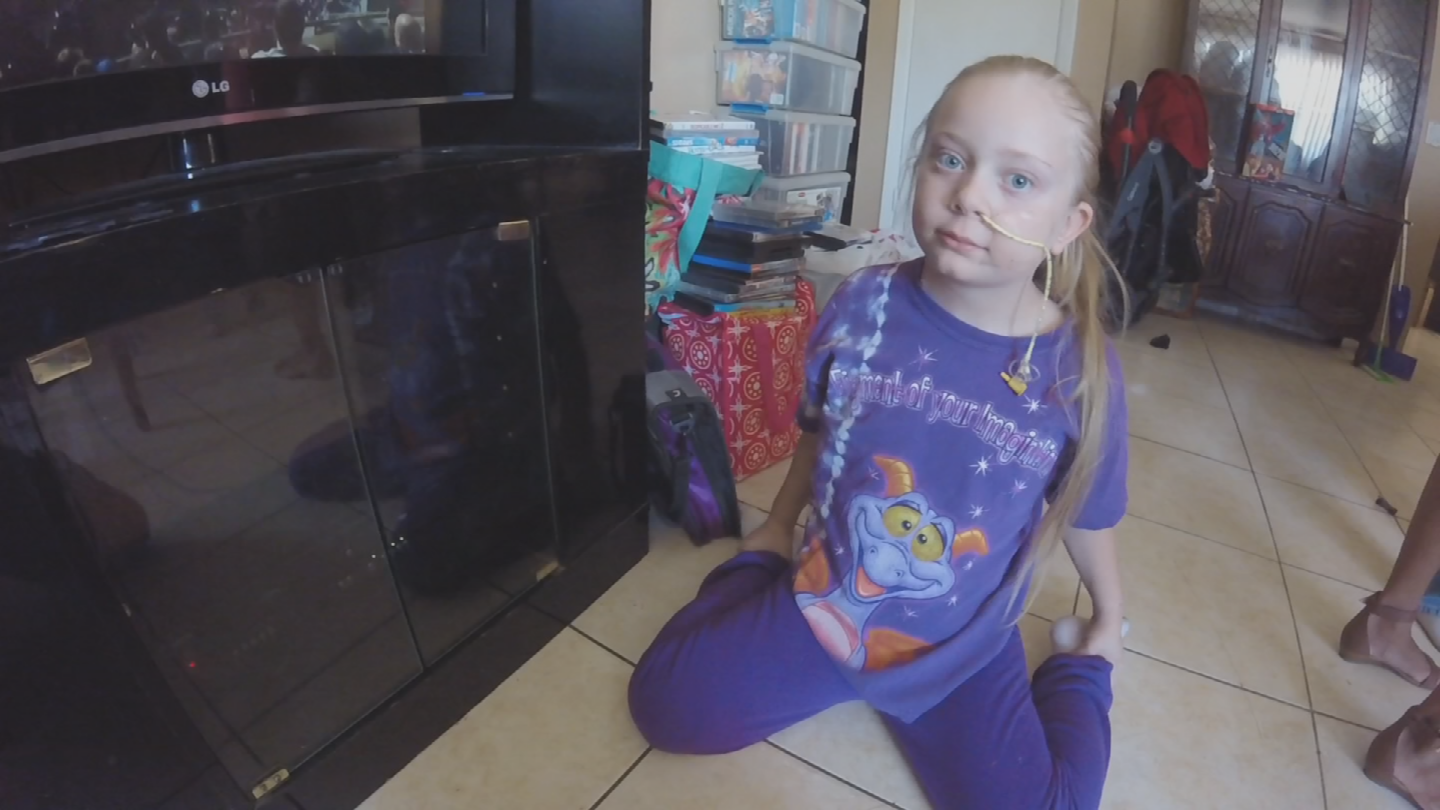 Makayla Jarboe, a 7-year-old Mesa girl diagnosed with an E.coli infection, possibly linked to contaminated Romaine lettuce out of Yuma, is now back home after spending more than a month in the hospital. (Source: 3TV/CBS 5)