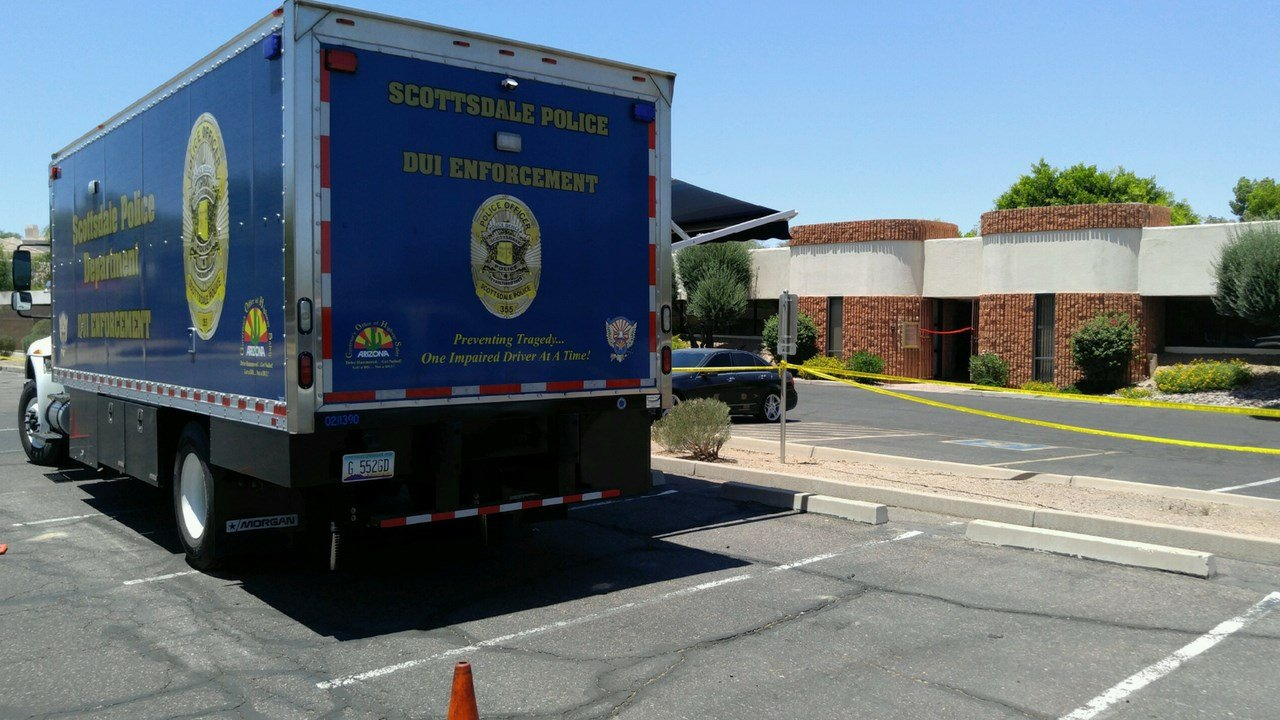 The scene outside of Saturday's homicide in Scottsdale. (Source: 3TV/CBS 5)