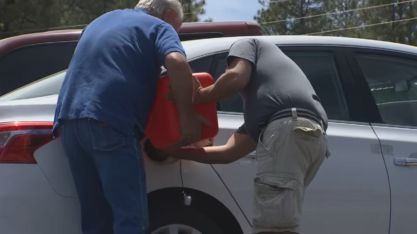 A good Samaritan coming back from Show Low was able to help out a couple who had run out of gas. (Source: 3TV/CBS 5)