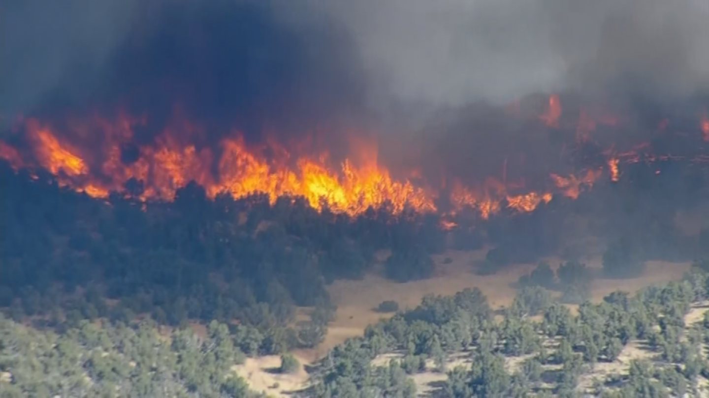 Firefighters have been able to gain the upper hand against a wildfire in central Arizona. (Source: 3TV/CBS 5)