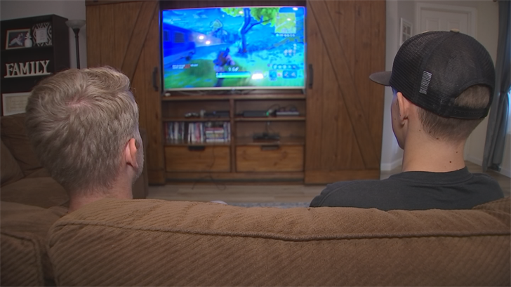 Jake Goude, 15, and his friends are among the 40-million-plus gamers around the world all playing Fortnite with the same goal. (Source: 3TV/CBS 5)