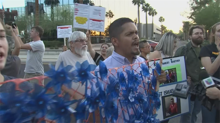 Hundreds protested in Phoenix separating families at the border. (Source: 3TV/CBS 5)