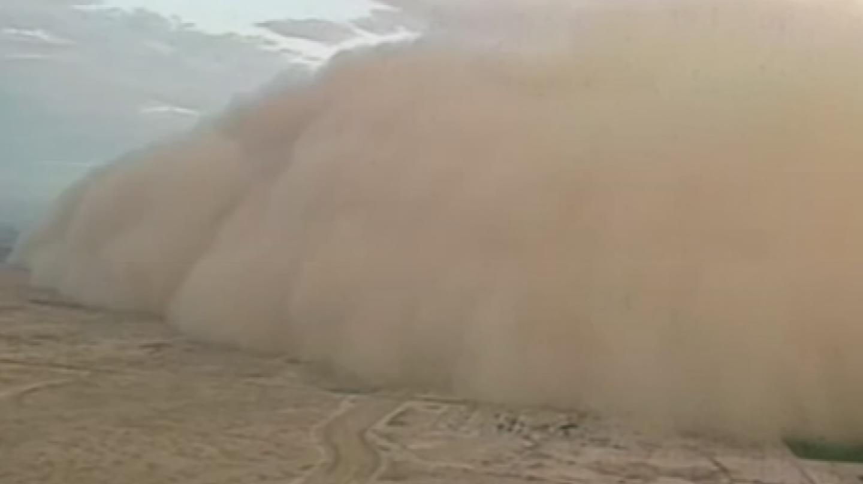 Blinding walls of dust!(Source: 3TV/CBS 5)