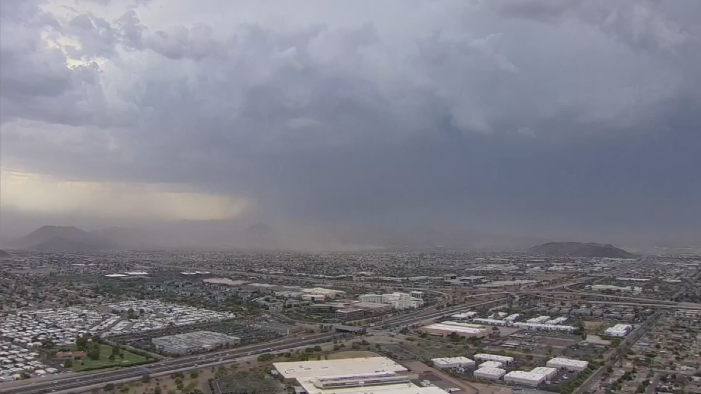 Just like popcorn, storms burst without warning. (Source: 3TV/CBS 5)