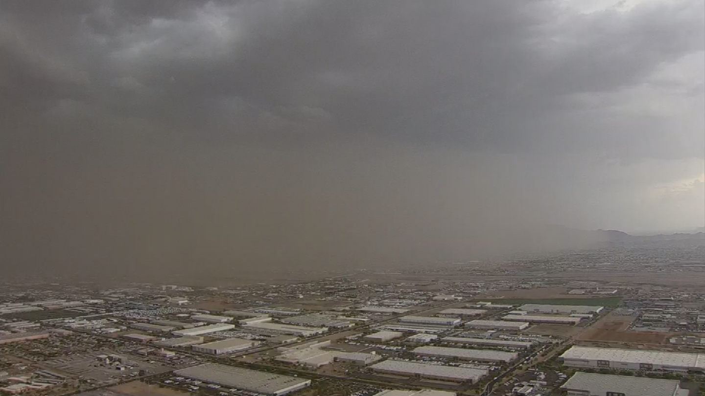 Billowing and tall, blowing dust can reduce a driver's visibility to nothing. (Source: 3TV/CBS 5)