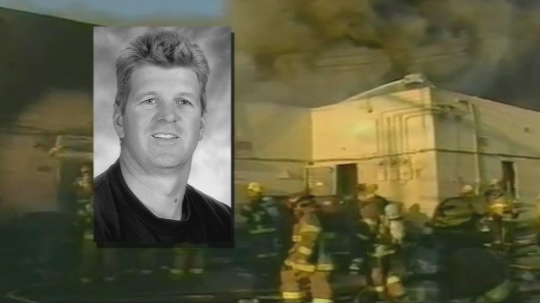 Firefighter Bret Tarver died in a huge supermarket fire in west Phoenix in 2001. (Source: Arizona's Family file photo)