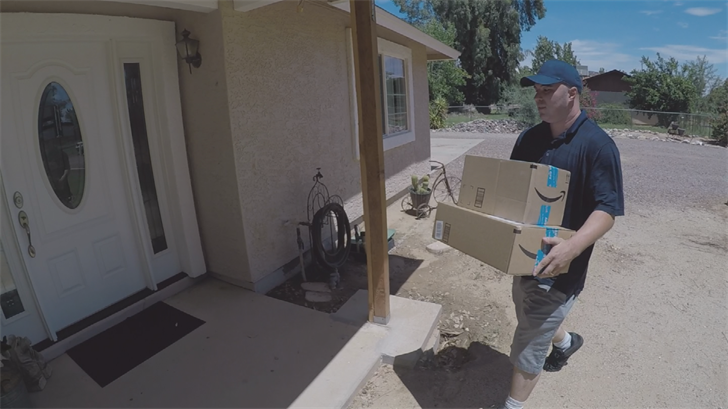 Dustin Dial is participating in the Amazon Flex program. (Source: 3TV/CBS 5)