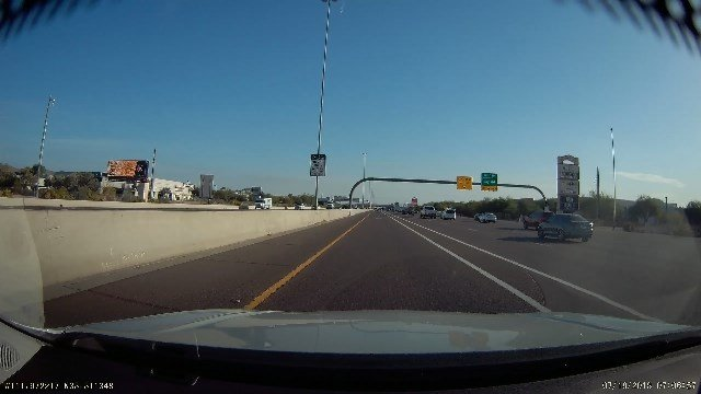 Hollie Mueller's dash cam caught the moment she swerved to avoid a wrong-way driver (Source: Hollie Mueller)