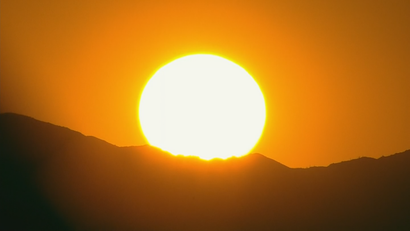 Tuesday may be the hottest day of the year in Phoenix with a forecasted high of 118 degrees and that means some energy records at Arizona Public Service may be broken. (Source: 3TV/CBS 5)