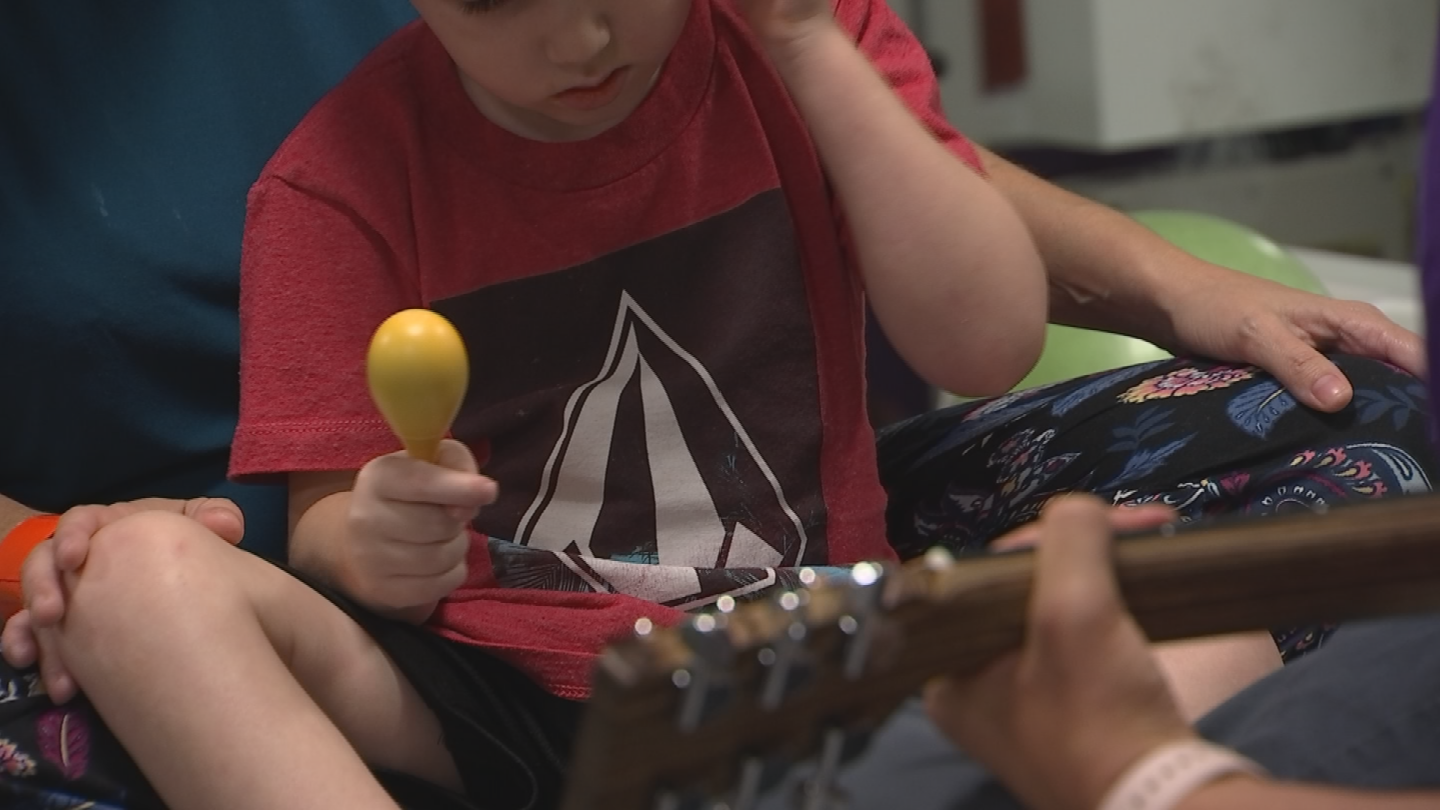 PCH hopes it can one day expand the program and bring in a second music therapist. (Source: 3TV/CBS 5)