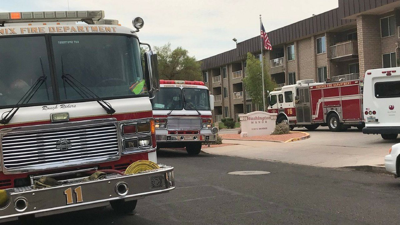 Fire crews assist residents at Washington Manor during power outage (Source: 3TV/CBS 5)