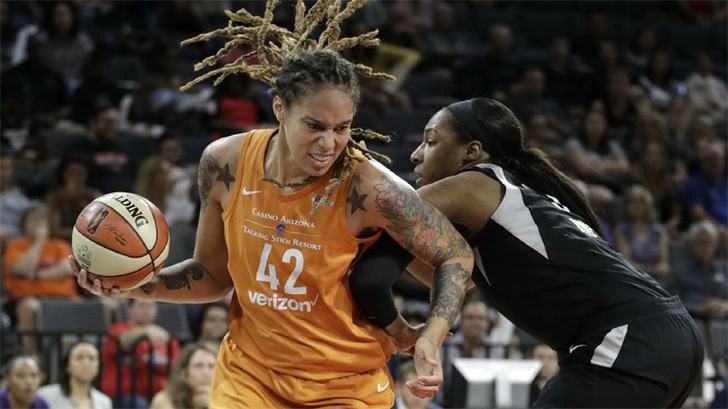 Las Vegas Aces center Kelsey Bone, right, fouls Phoenix Mercury center Brittney Griner during the first half of a WNBA basketball game Wednesday, Aug. 1, 2018, in Las Vegas. (Source: AP Photo)